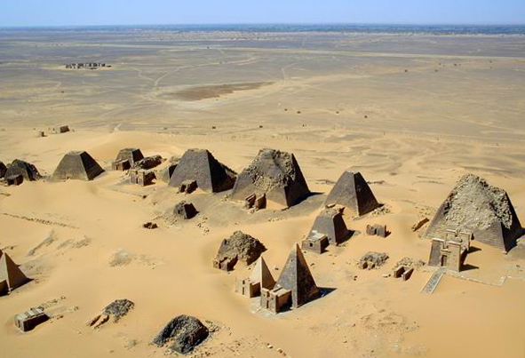 Alcune Piramidi Nubiane a Meroe.